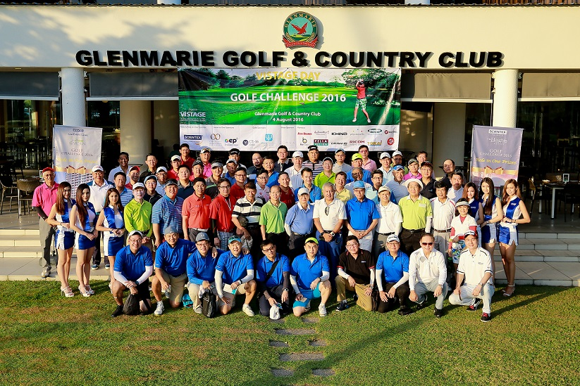 Vistage Day- Golf Group Photo